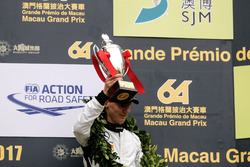 Podio: il terzo classificato Raffaele Marciello, Mercedes-AMG Team GruppeM Racing, Mercedes - AMG GT3