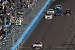 Matt Kenseth, Joe Gibbs Racing Toyota remporte la course