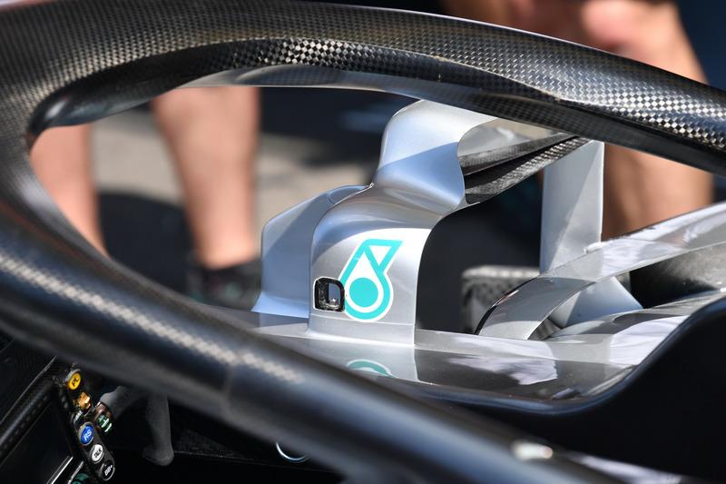 Rétroviseur de la Mercedes-AMG F1 W09