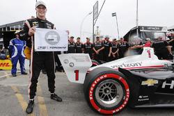 Josef Newgarden, Team Penske Chevrolet celebrates winning the Verizon P1 Pole Award