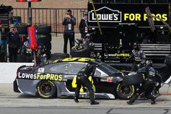 Jimmie Johnson, Hendrick Motorsports, Chevrolet Camaro Lowe's for Pros pit stop