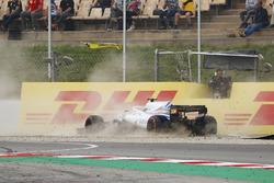 Lance Stroll, Williams FW41, crashes