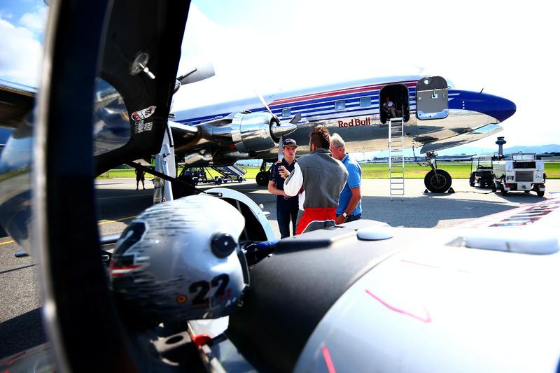 Pilot Hannes Arch ve Max Verstappen, Red Bull Racing ve Dr. Helmut Marko