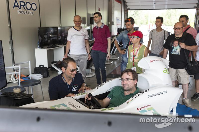 F1 simulatörü