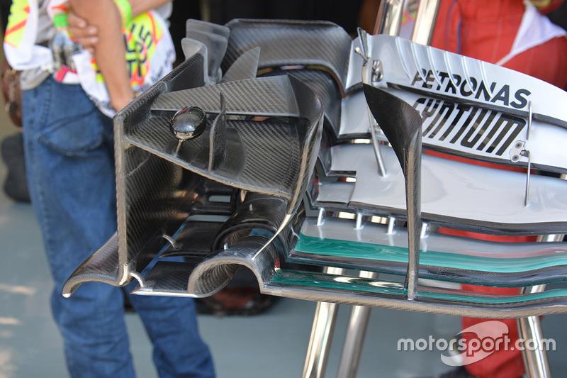 Mercedes AMG F1 W07 Hybrid: Frontflügel