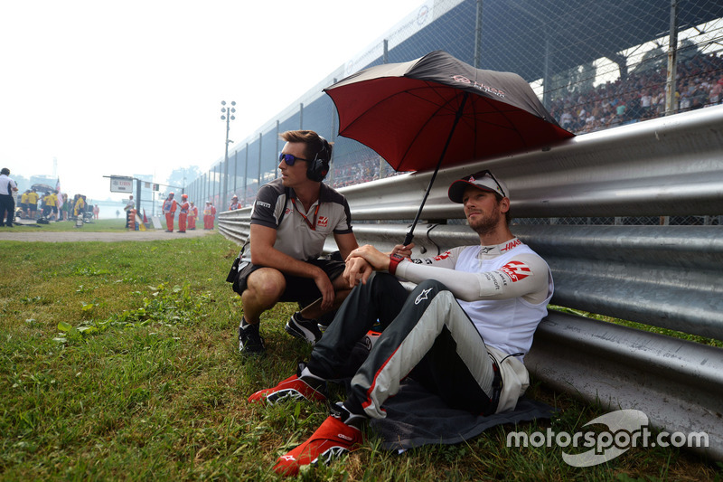 Romain Grosjean, Haas F1 Team on the grid