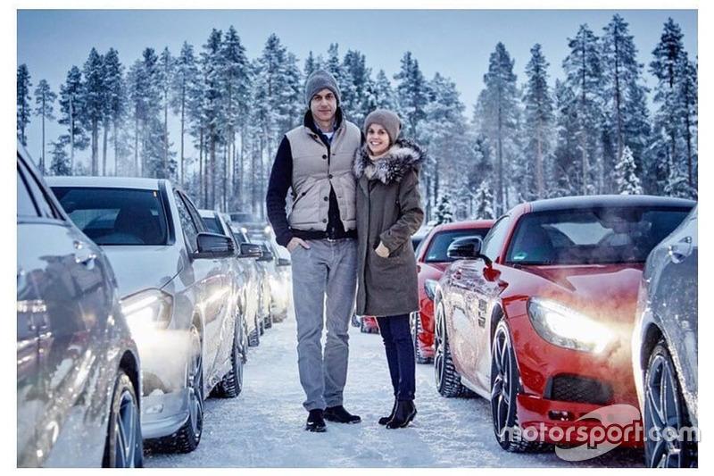 Тото та Сузі Вольфф на тестах машин Mercedes