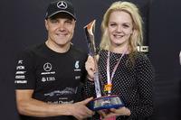 Le vainqueur Valtteri Bottas, Mercedes AMG F1, fête sa victoire avec sa femme Emilia