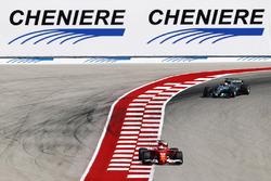 Себастьян Феттель, Ferrari SF70H, Льюіс Хемілтон, Mercedes AMG F1 W08