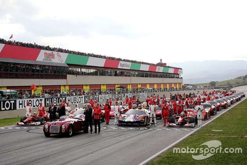 Foto di gruppo Ferrari