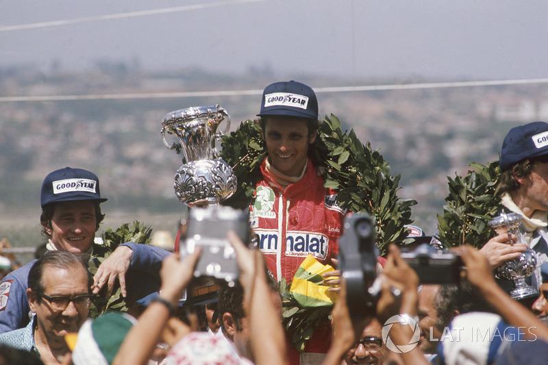 1976. Інтерлагос. Подіум: 1. Нікі Лауа, Ferrar. 2. Патрік Депайе, Tyrrell Ford Cosworth. 3. Том Прайс, Shadow Ford Cosworth