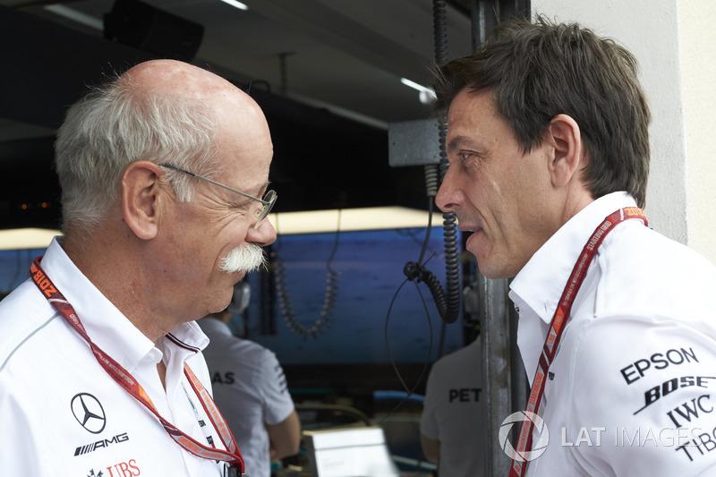 Dr Dieter Zetsche, CEO de Mercedes Benz, y Toto Wolff, Mercedes AMG