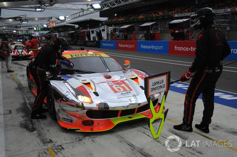 #61 Clearwater Racing Ferrari 488 GTE: Мок Вен Сунь, Кеита Сава