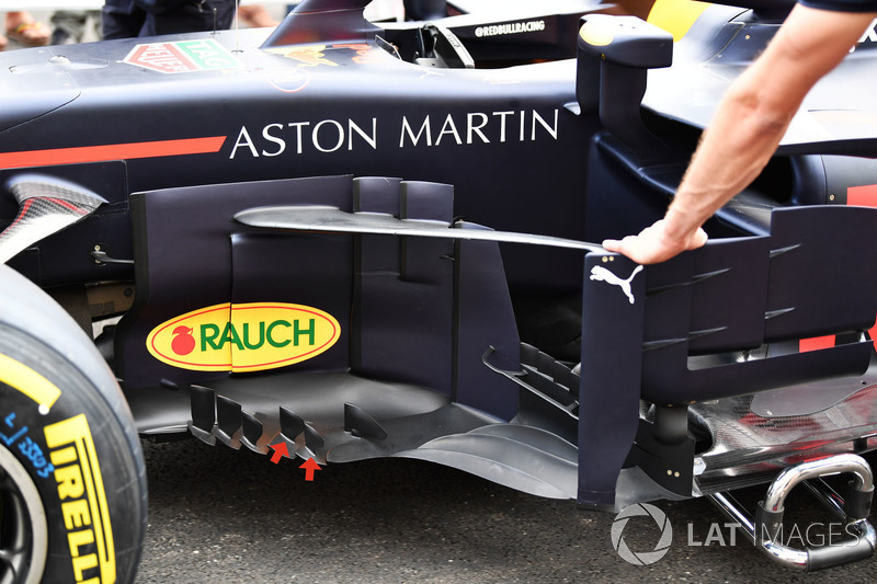 Red Bull Racing RB14 barge boards detail