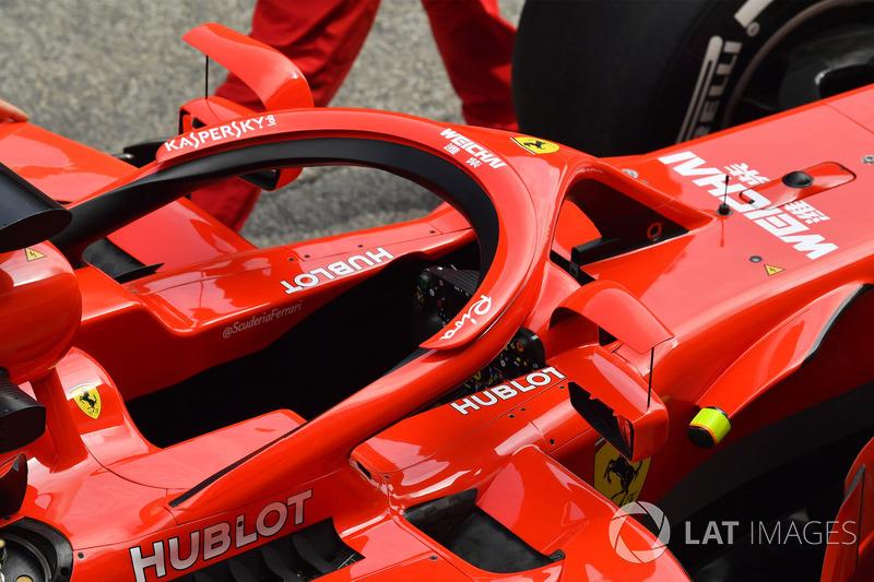 Ferrari SF71H'nin Halo üzerinde bulunan aynaları
