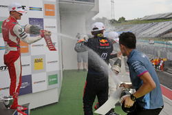 Podium: Mick Schumacher, PREMA Theodore Racing Dallara F317 - Mercedes-Benz, Dan Ticktum, Motopark D