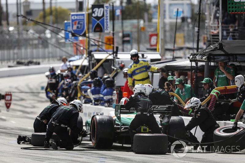Kyle Kaiser, Juncos Racing Chevrolet, au stand