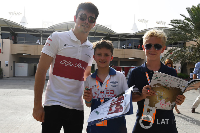 Charles Leclerc, Sauber signs autographs for the young fans