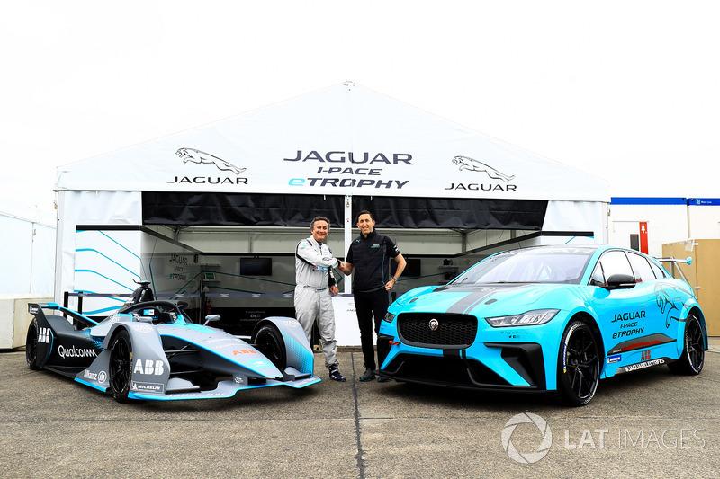Alejandro Agag, CEO, Formula E, dengan James Barclay, Team Director, Jaguar Racing