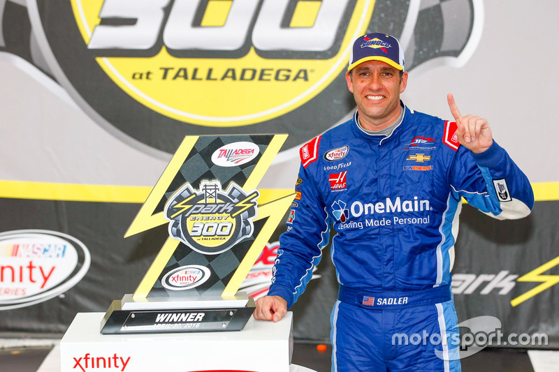 Elliott Sadler, JR Motorsports Chevrolet race winner