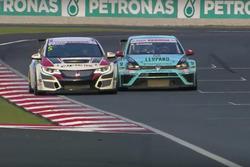 Roberto Colciago, Honda Civic TCR, e Stefano Comini, VW Golf GTI TCR