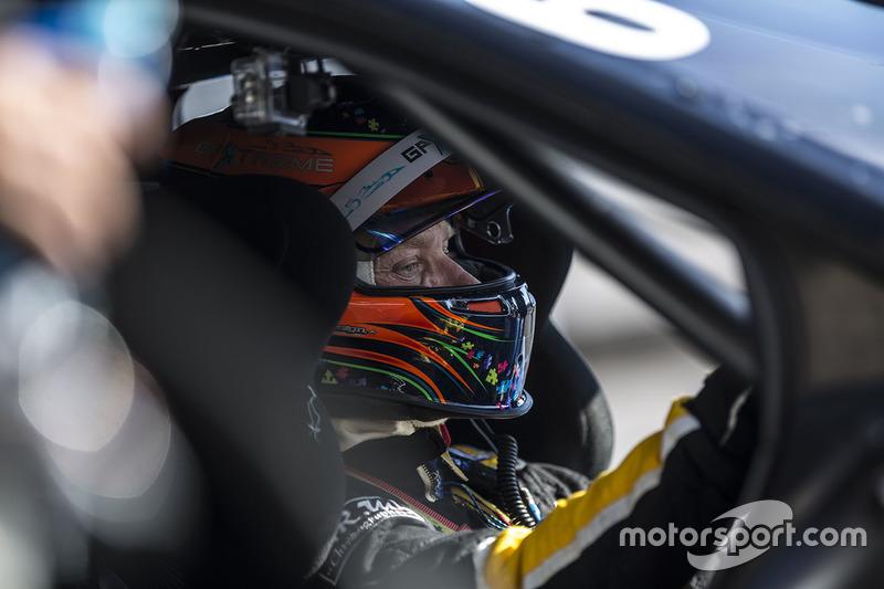 #6 V8 Racing Renault RS01: Jordan Grogor