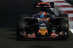 Данііл Квят, Scuderia Toro Rosso STR11