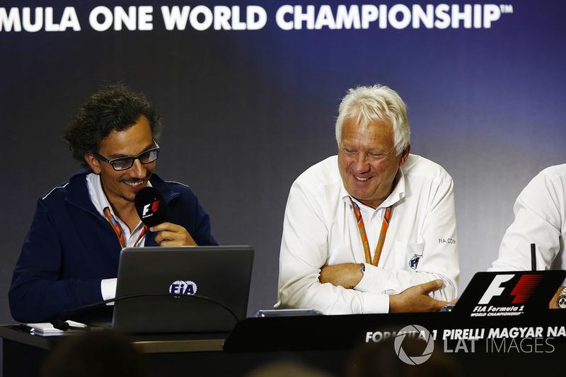 Laurent Mekies, Director de carrera adjunta de F1, FIA, Charlie Whiting, Director de carrera de la F