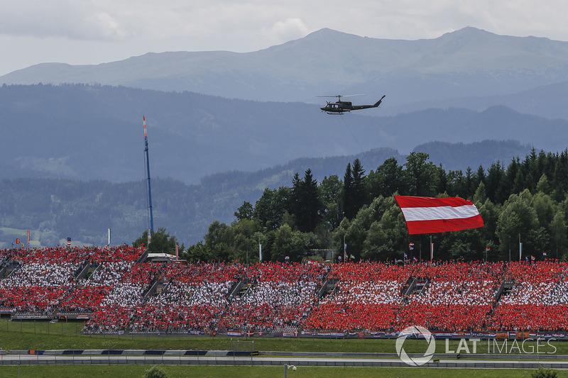 Гелікоптер, прапор Австрії