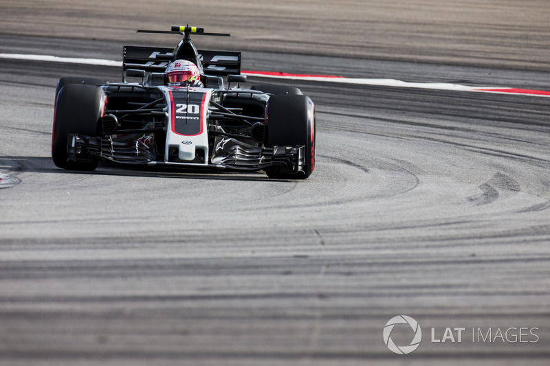 12. Kevin Magnussen, Haas F1 Team VF-17