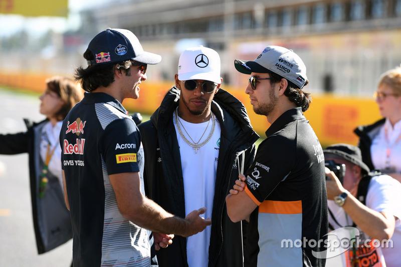 Carlos Sainz Jr., Scuderia Toro Rosso, Lewis Hamilton, Mercedes AMG F1 and Sergio Perez, Sahara Force India
