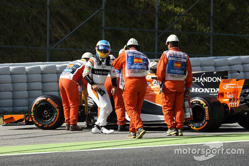 Остановка на трассе: Фернандо Алонсо, McLaren MCL32