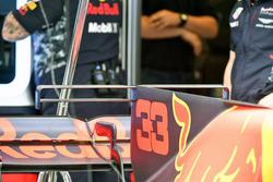 El detalle de aleta de tapa de motor de Max Verstappen, Red Bull Racing RB13