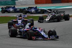 Карлос Сайнс-мл. и Пьер Гасли, Scuderia Toro Rosso STR12