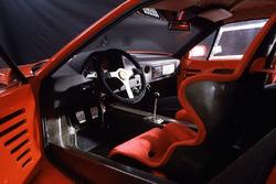 Ferrari F40: Cockpit