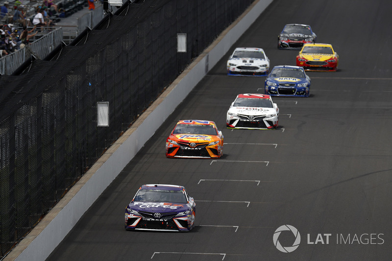 Denny Hamlin, Joe Gibbs Racing Toyota Matt Kenseth, Joe Gibbs Racing Toyota Erik Jones, Furniture Row Racing Toyota
