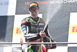 Podium: race winner Jonathan Rea, Kawasaki Racing celebrates with champagne