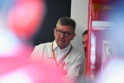 Ross Brawn, Formula One Managing Director del Motorsport e Gino Rosato, Ferrari