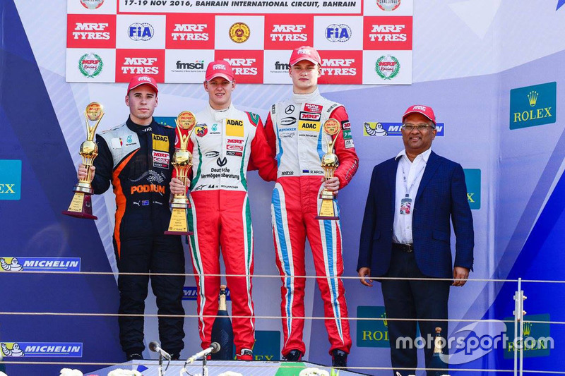 Podium: 1. Mick Schumacher, 2. Joey Mawson, 3. Ralf Aron