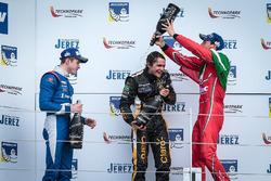 Podium : le vainqueur Pietro Fittipaldi, Lotus, le deuxième Egor Orudzhev, AVF, le troisième Alfonso Celis Jr., Fortec Motorsports