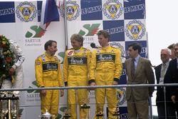 Podium: third position Andy Wallace, Derek Bell, Justin Bell