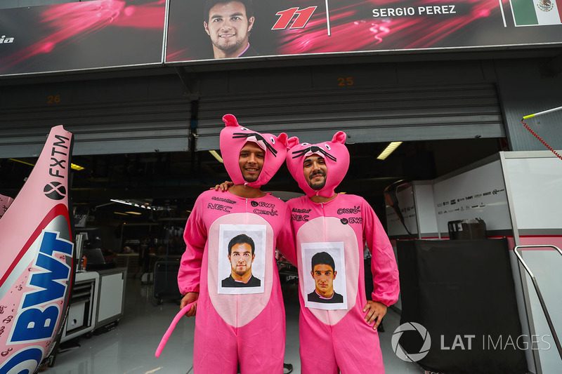 Sahara Force India fans dressed as pink panthers