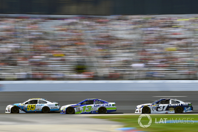 Michael McDowell, Leavine Family Racing Chevrolet, Ty Dillon, Germain Racing Chevrolet, Chris Buesch