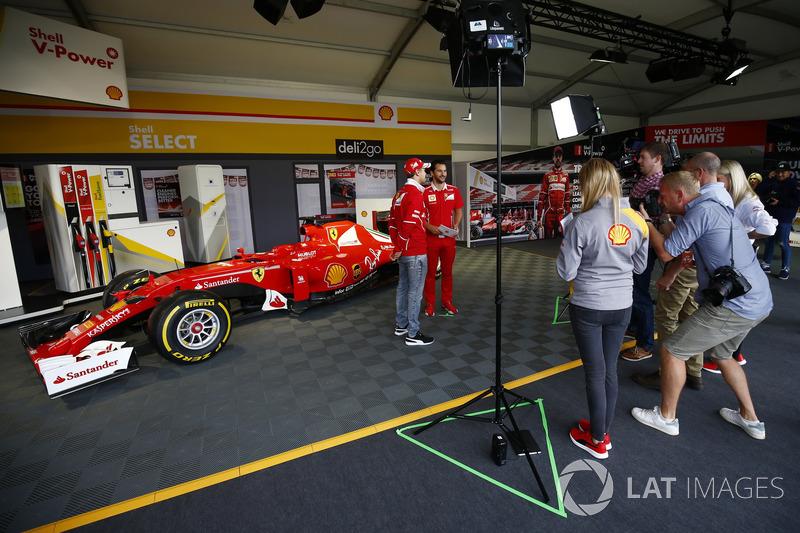 Себастьян Феттель Ferrari