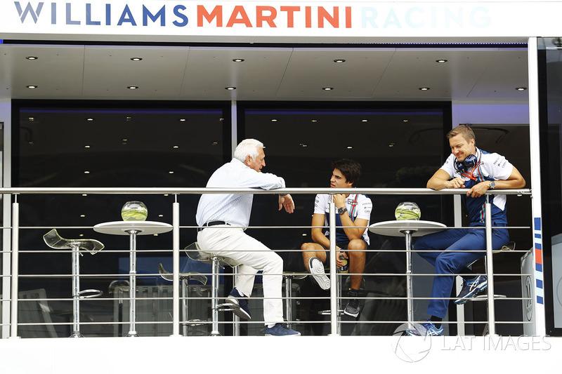 Ленс Стролл, Williams, розмовляє зі своїм батьком Лоуренсом