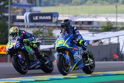Валентино Росси, Yamaha Factory Racing, и Сильвен Гинтоли, Team Suzuki MotoGP