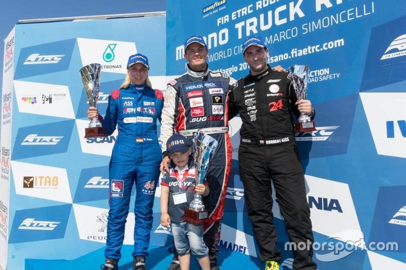 Podium: Race winner Adam Lacko, Freightliner, second place Steffi Halm, MAN, third place Norbert Kiss, Mercedes