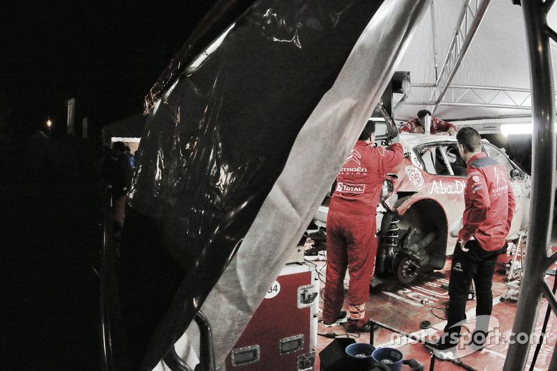 Ремонт разбитого Citroën C3 WRC Криса Мика и Пола Нейгла