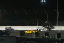 Ed Carpenter, Ed Carpenter Racing Chevrolet, Will Power, Team Penske Chevrolet crash in turn two at the start