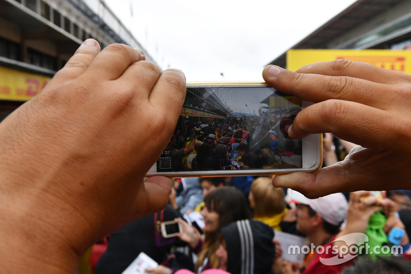 Fans photo